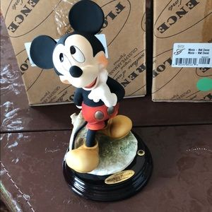 Mickey Mouse Giuseppe Armani figurine